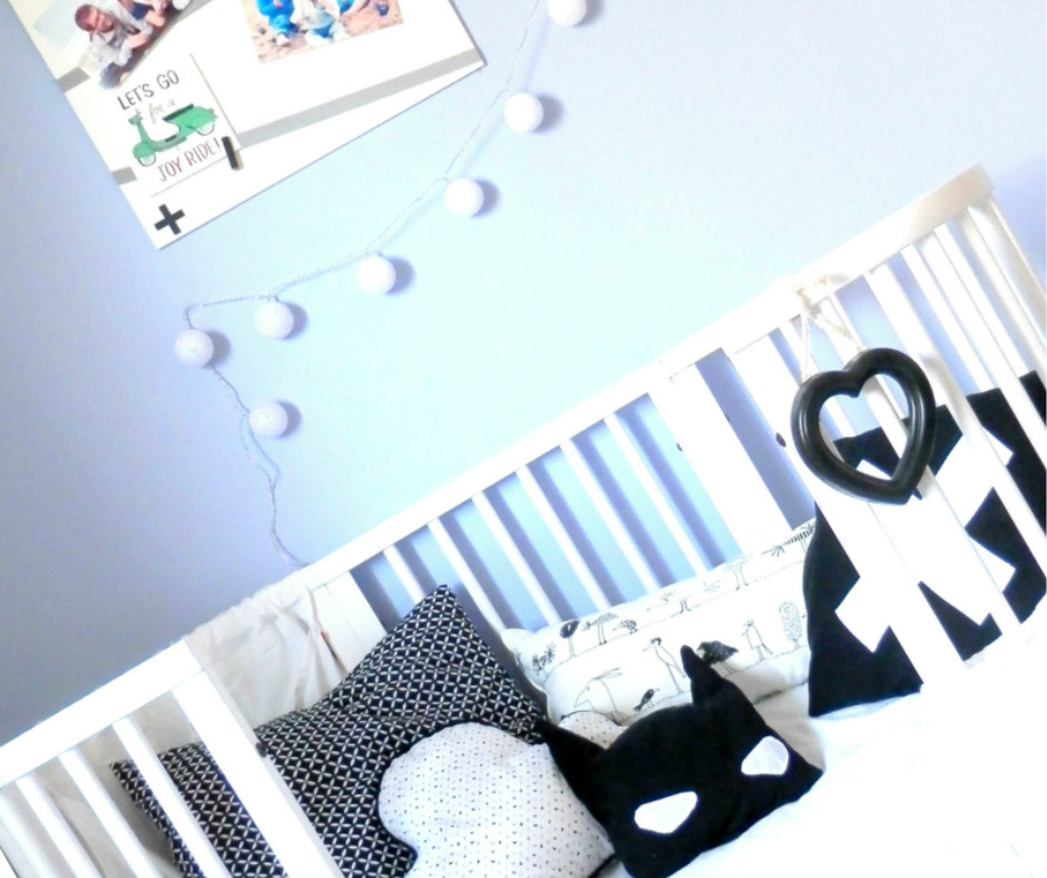 une chambre d 39 enfant black white pour mon gar on joli tipi. Black Bedroom Furniture Sets. Home Design Ideas