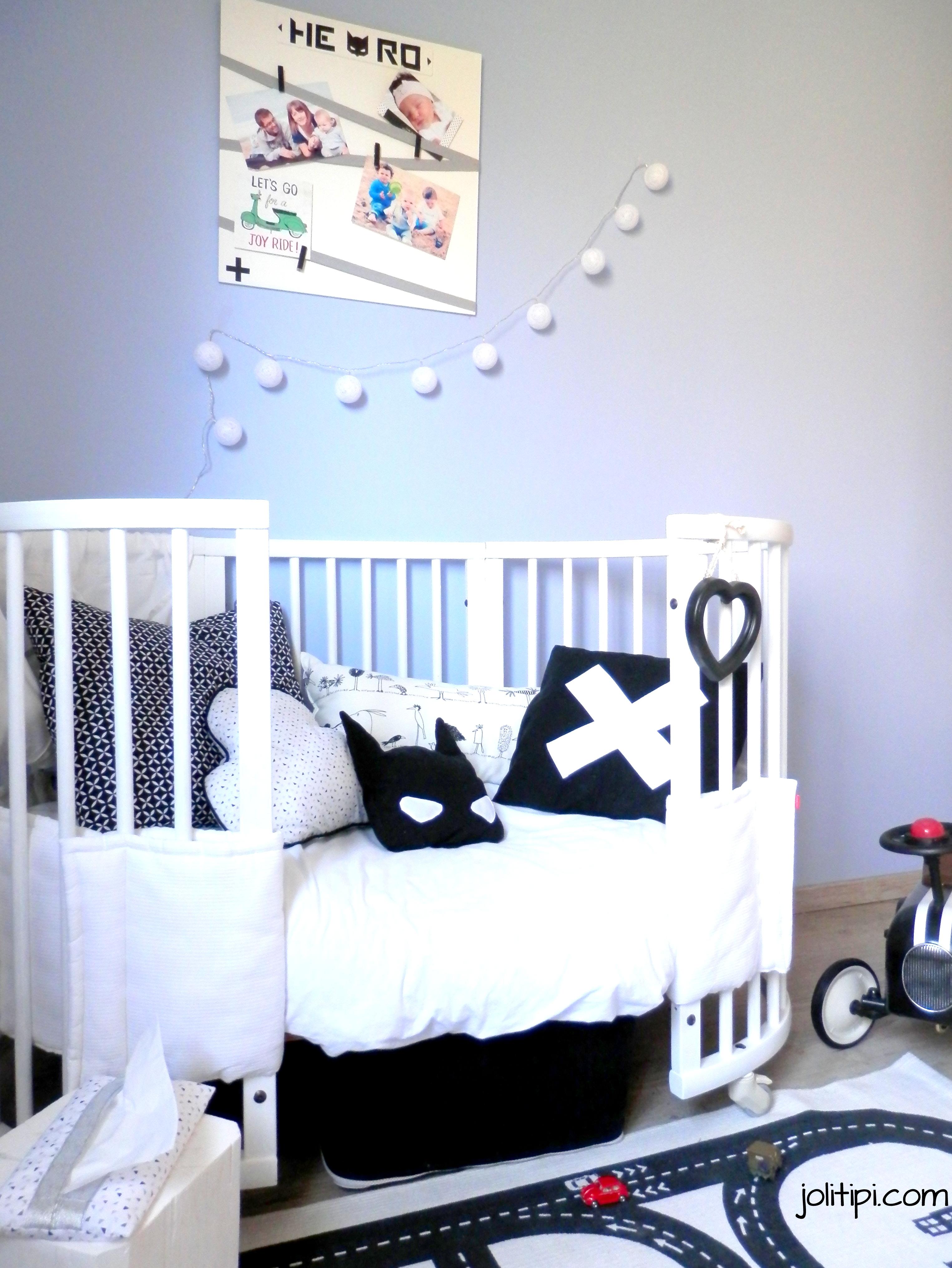 Une chambre d\'enfant Black & White pour mon garçon - Joli Tipi
