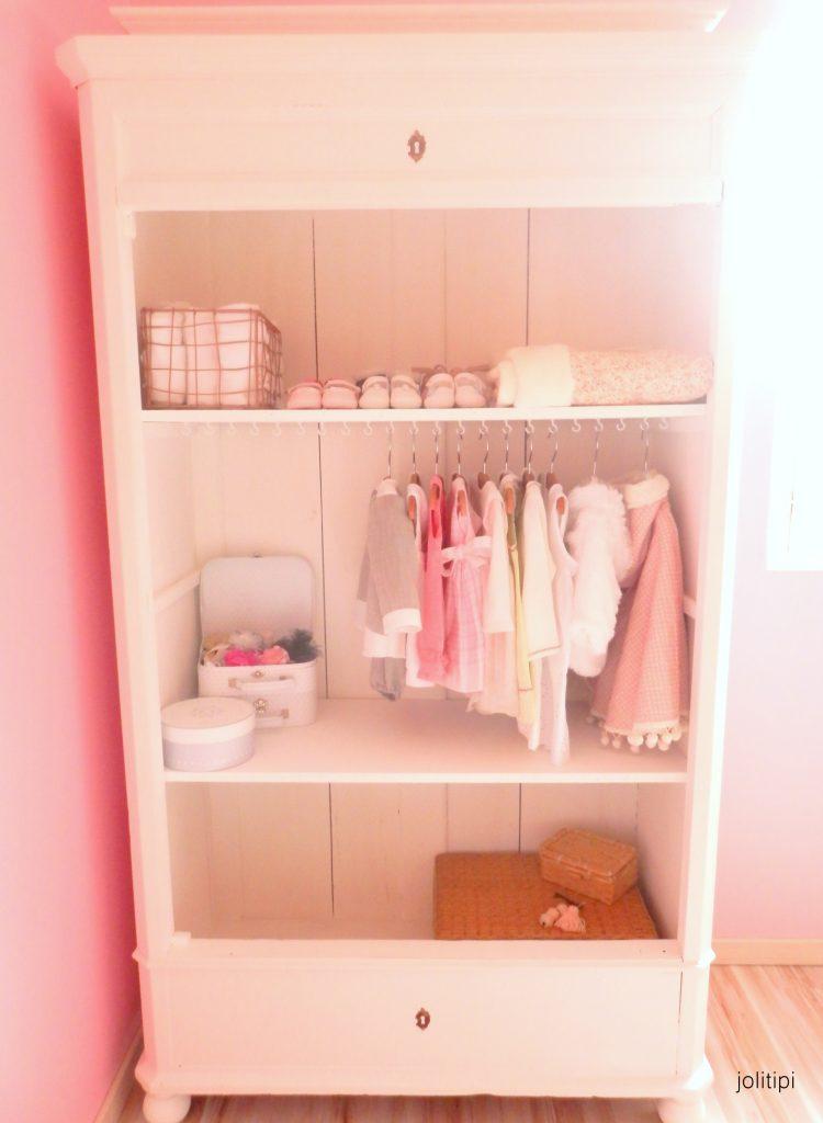 Quand une armoire chin e devient un joli dressing joli - Transformer une armoire en bureau ...