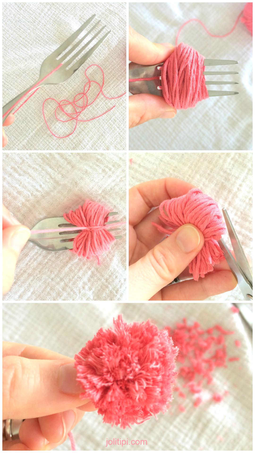 DIY créer des pompons à l'aide d'une fourchette